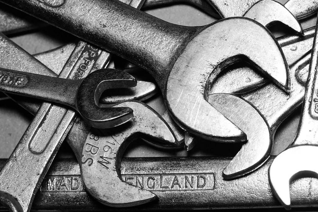 Les outils indispensables de la caisse à outils